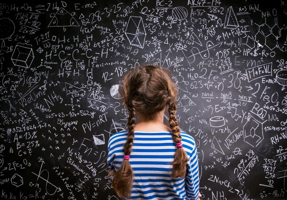 La școală, copiii învață prea multe și atât de puțin
