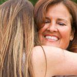 Mamă sunt pentru totdeauna fiica ta ești pentru totdeauna prietena mea