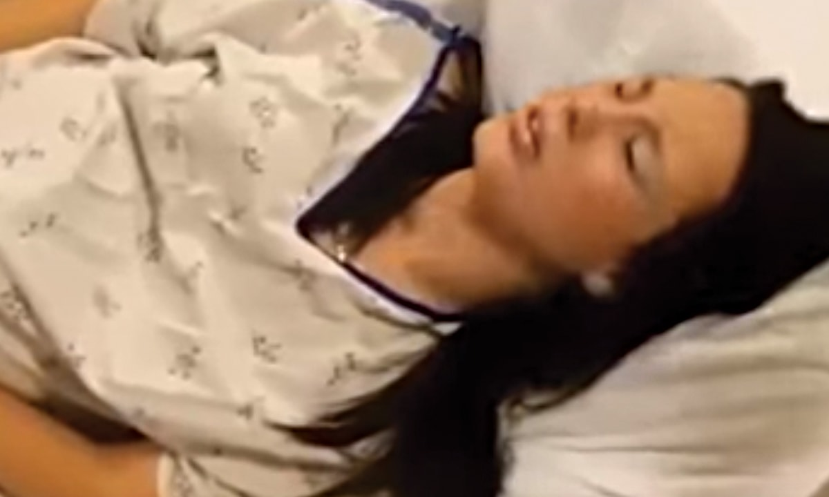 femeie naște