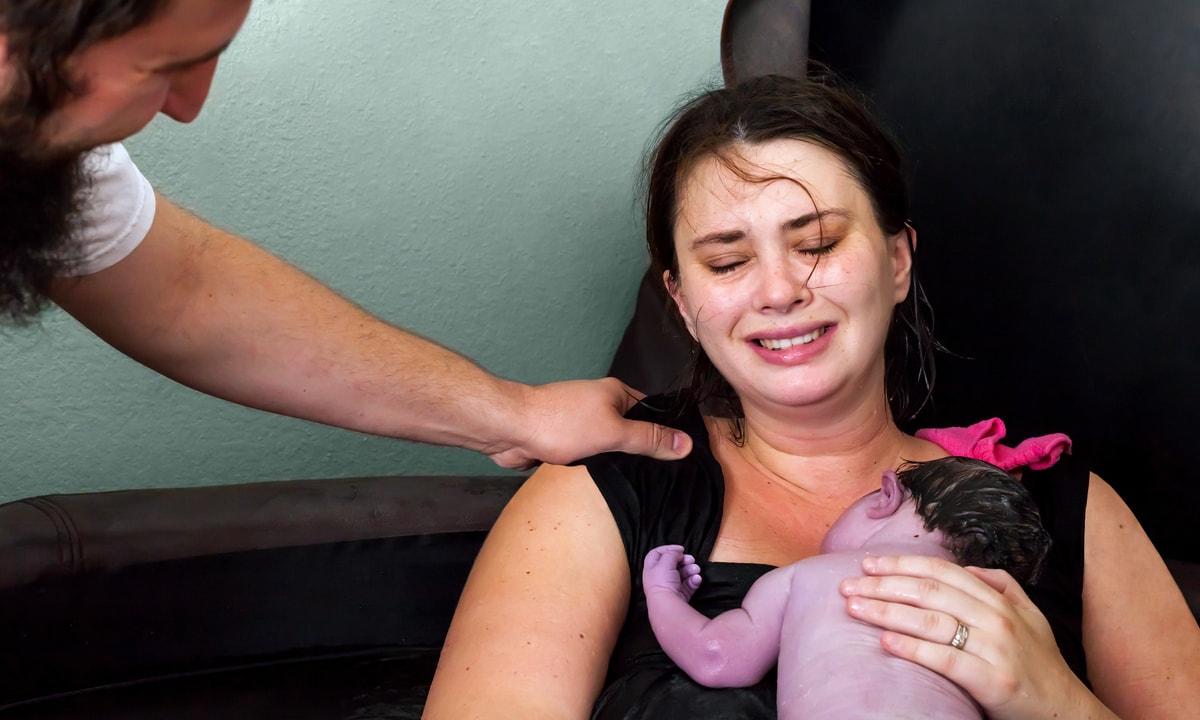 naștere mămică